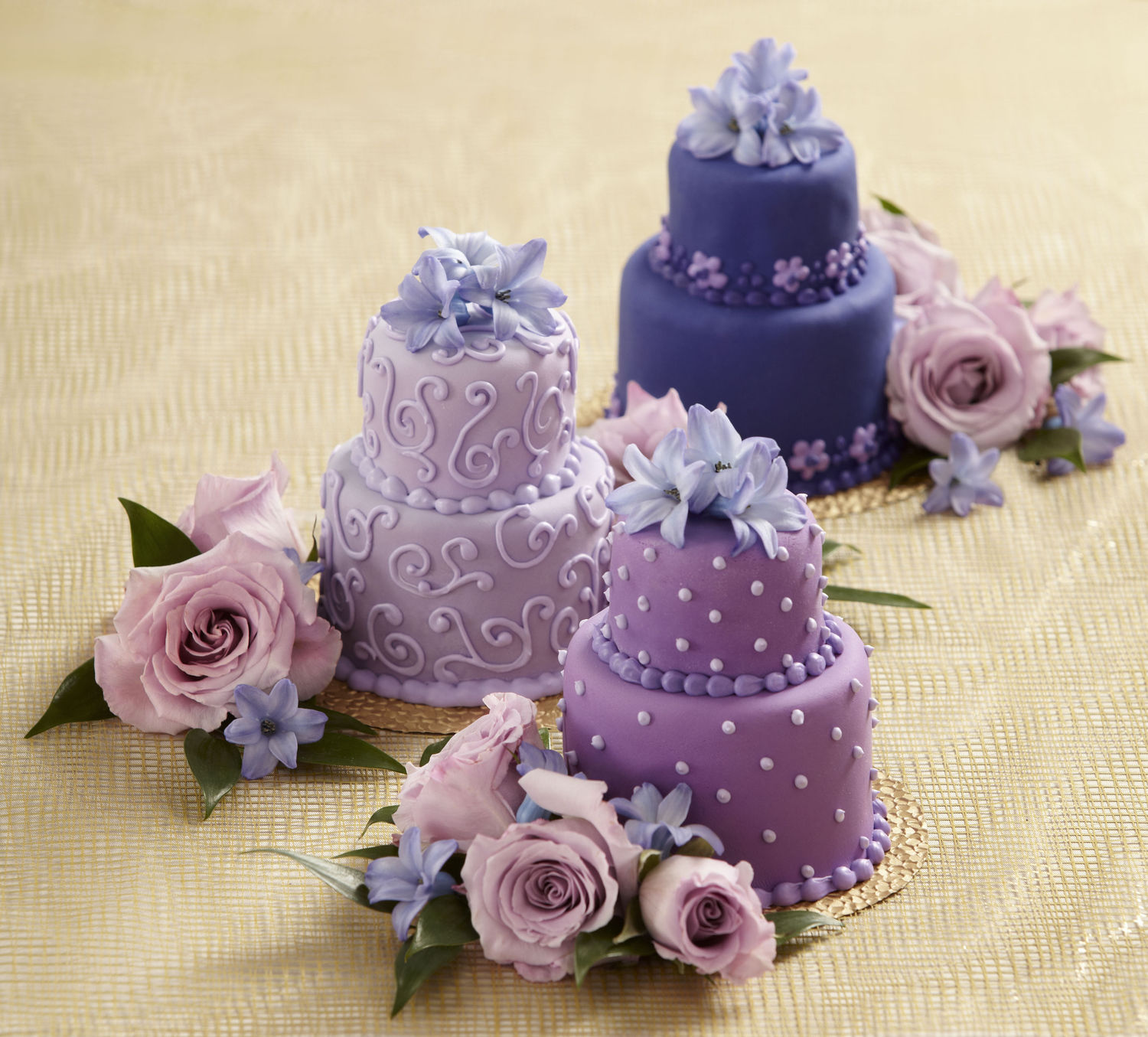 Cake Decor Items : Cake Decorations